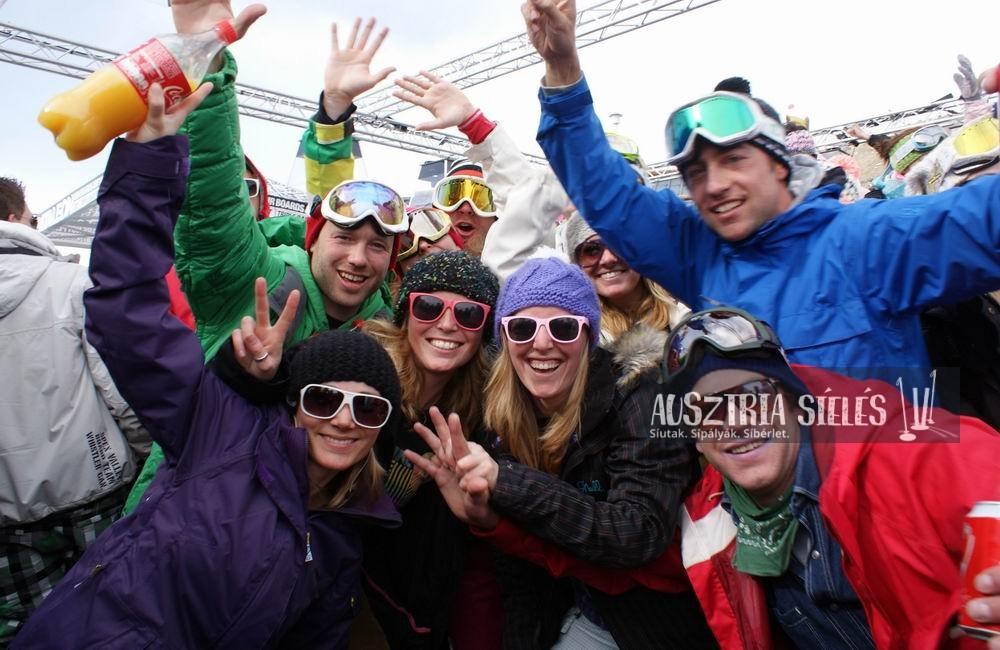 Party síelés Kitzbühelben