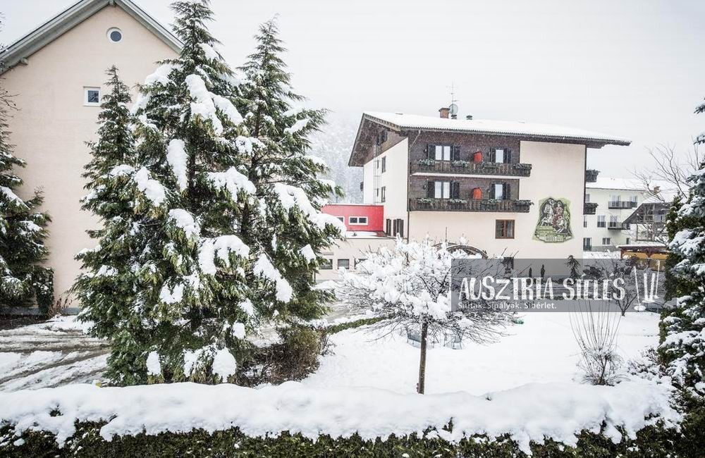 Hotel zur Post Döbriach
